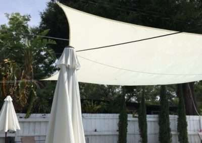hook holding on to pool shade